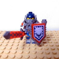 LEGO Nexo Knight Minifigures - Clay - with Sword and Sheild Eagle Logo