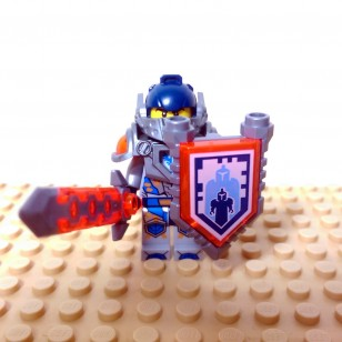 LEGO Nexo Knight Minifigures - Clay - with Sword and Sheild Knight Logo